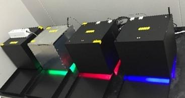 LEDを用い特定波長の光を当ててカビを育てます